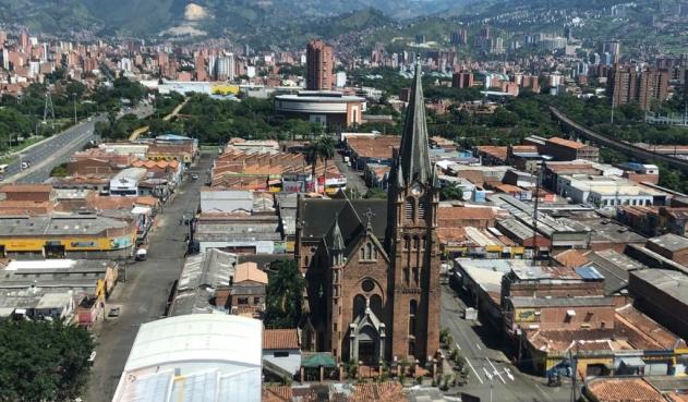 Confirman primer muerto tras temblor en Medellín