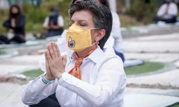 Claudia López culpa ahora a las empresas y sus trabajadores por caos en TransMilenio